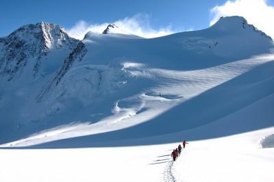 Non-technical 4000m Peaks in the Alps