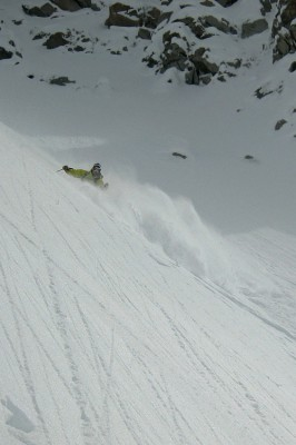 Steph waist deep in the powder on Aig. du Midi, 16 of May!