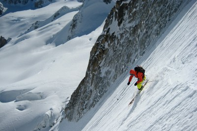 Skiing grippy, compact powder on the Tour Ronde, 18 May
