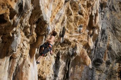 Oltre Finale rock climbing